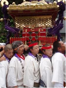 谷中 諏訪神社の夏祭りと神輿